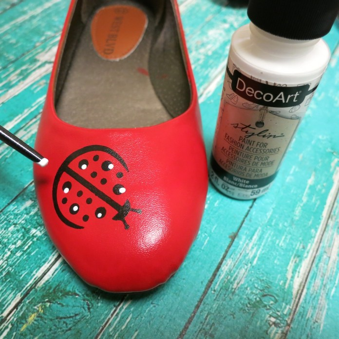 paint on shoes