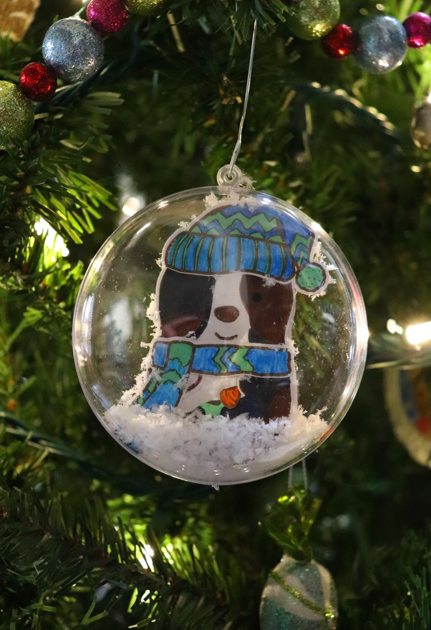 Make a guinea pig ornament using cute mix and match stamps and dies from Maker's Movement!