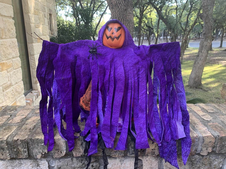 DIY Spooky Scarecrow Decor