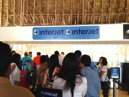 Interjet counter in Hualtulco