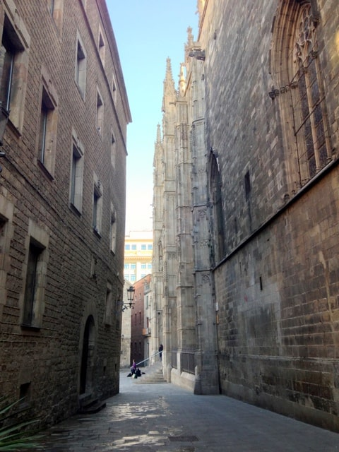 An alley in the Gothic Quarter