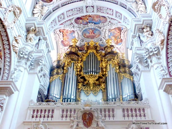 Pipe organ in St. Stephen's Cathedral