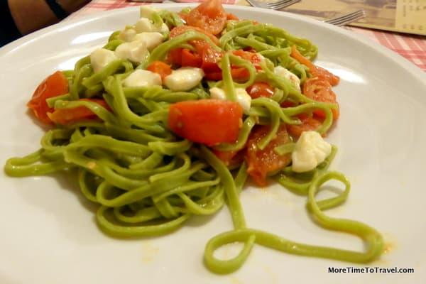 Spinach Fettucine with Tomato & Mozarella at Giampi E Ciccio