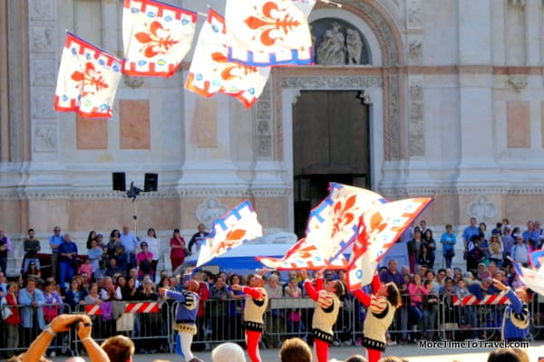 Flag-throwers, at the Spettacolo delle bandiere in the Piazza