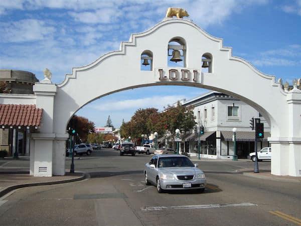 Lodi Town Arch (Credit: John and Sandra Nowlan)