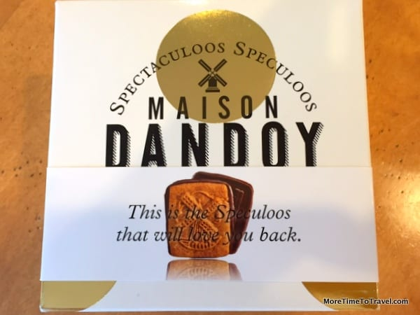 Takeout box from Maison Dandoy