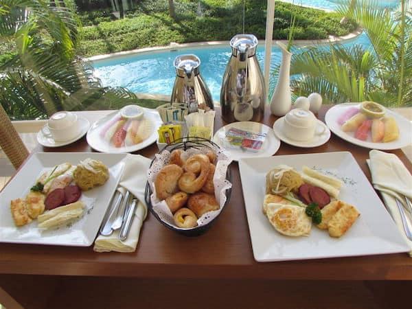 Secrets balcony breakfast (John and Sandra Nowlan)