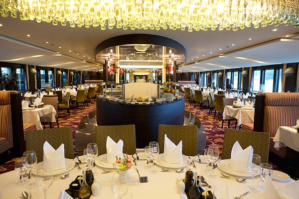 Main dining room AmaSonata (Credit: AmaWaterways)
