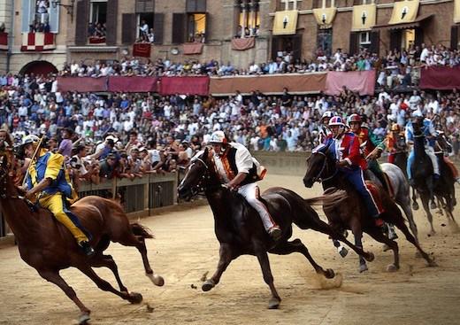 Il Palio di Siena (Credit: Wikipedia)