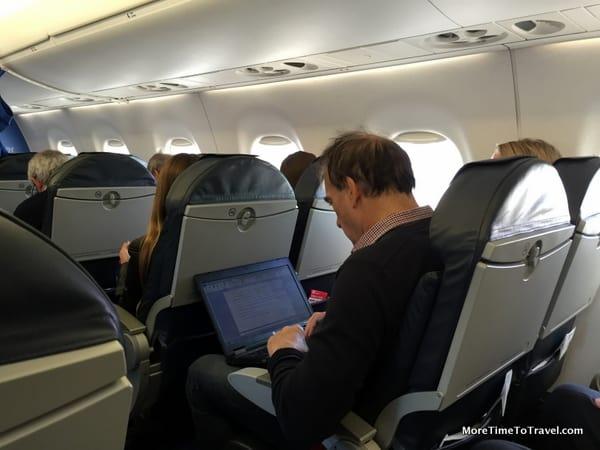 Inside the Embraer 190