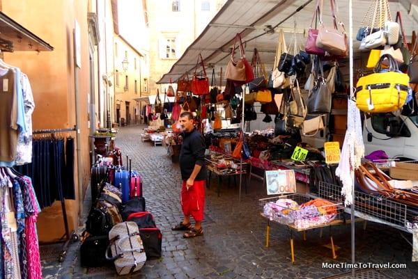 Knockoff and inexpensive handbags