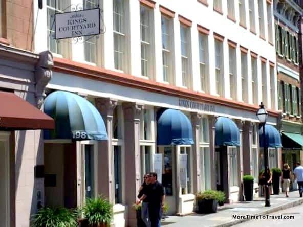 Shops below Kings Courtyard Inn