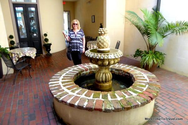 Pineapple fountain at Kings Courtyard Inn