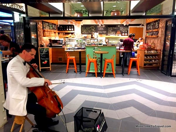 Live musician in the TurnStyle food hall
