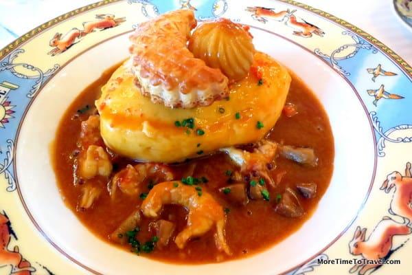 Pie quenelle with crayfish sauce at Restaurant Paul Bocuse