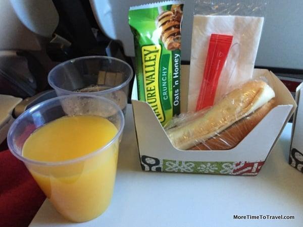 Breakfast - TAP Portugal Economy cabin
