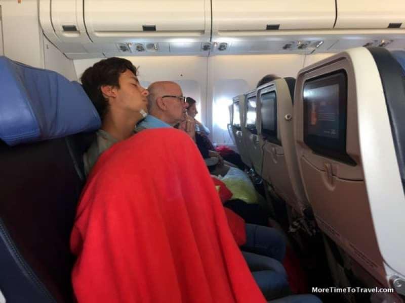 One passenger who slept very well under her blanket