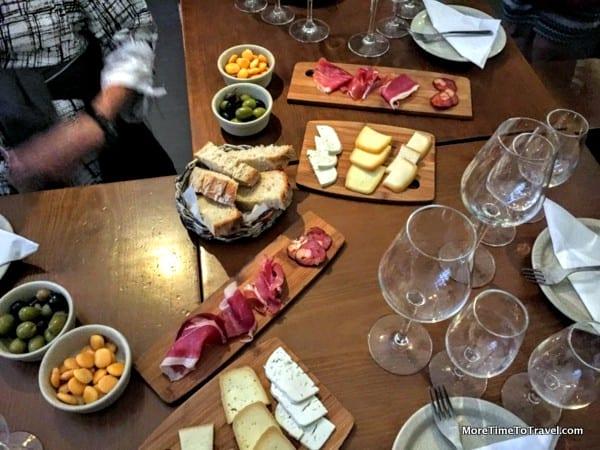 Tasting at Taberna Do Largo