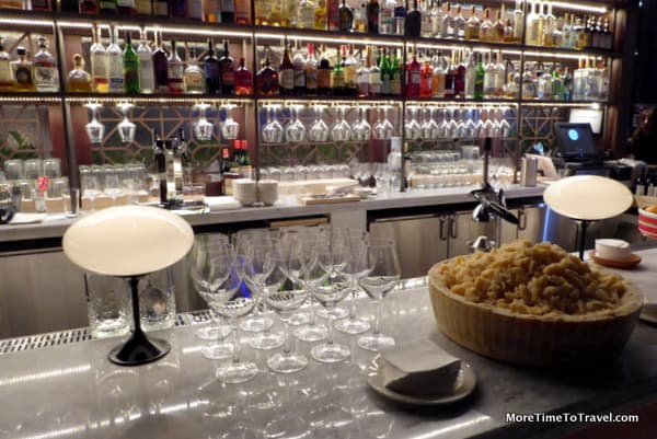 Bar at Osteria della Pace, Eataly NYC Downtown