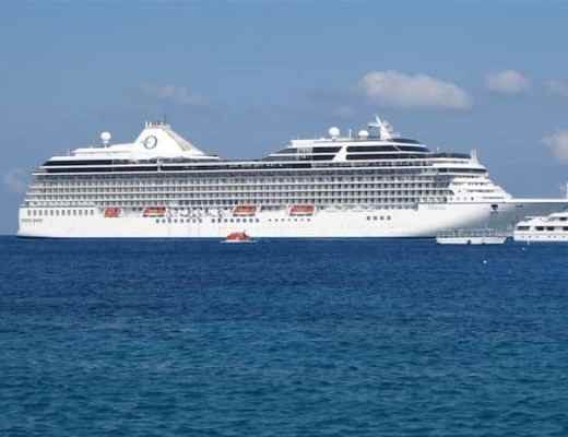 Culinary cruising: Marina in the Cayman Islands