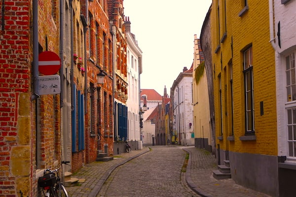 Quiet street in Bruges in early morning (Photo Credit: Jerome Levine)