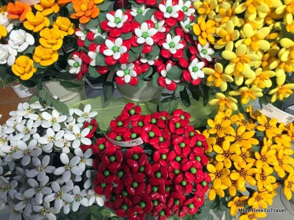 Di Carlo confetti candies shaped into flower bouquets