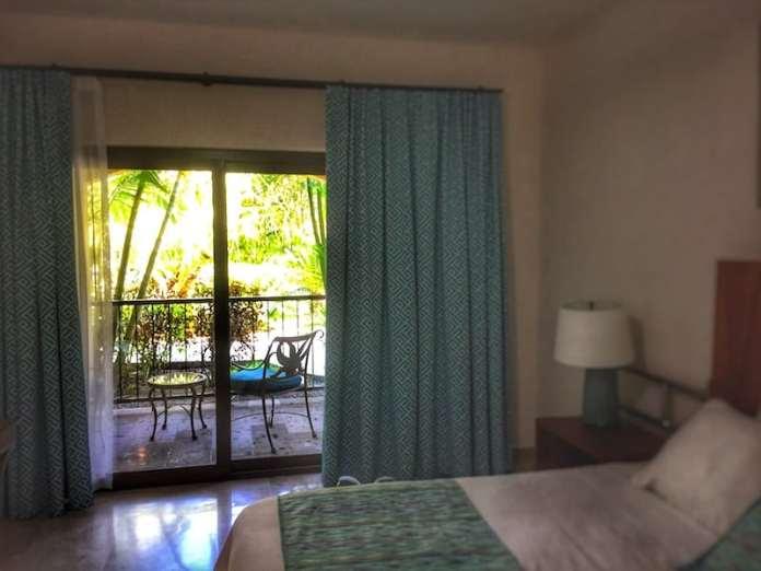 Guest room at Estrella del Mar
