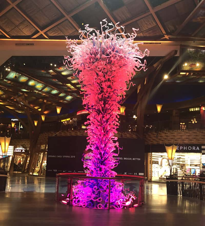 The Chihuly Sculpture that dominates the lobby (Credit: Nancy Monson)
