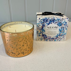 NEOM christmas wish scented candle (3 wick)