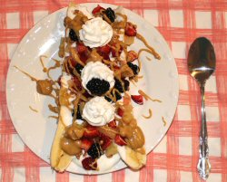 Healthy Loaded Banana Split from The Unextreme