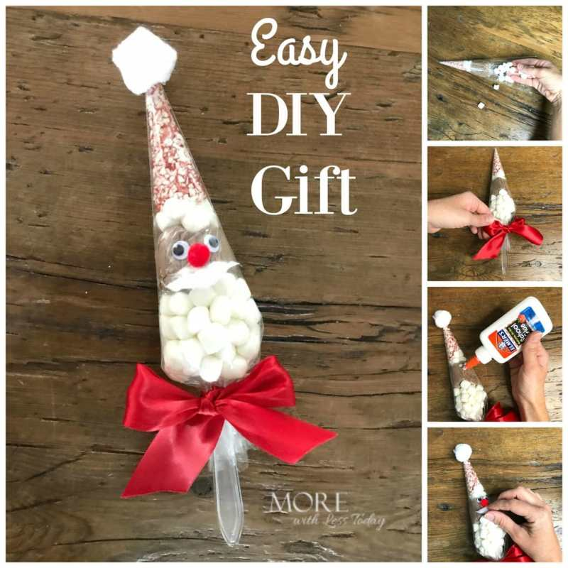 Awesome Christmas Gift Idea! Individual Santa Hot Cocoa Bags will make the cutest gifts. Make these with hot cocoa packets and a few supplies.