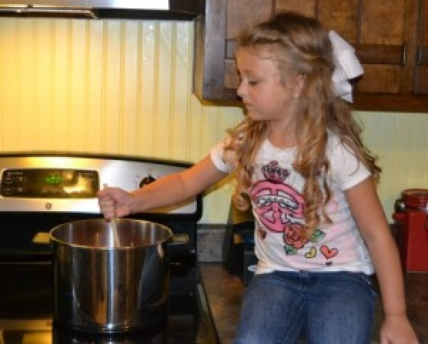paige cooking chili