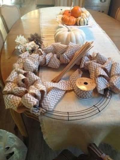 making a fall burlap wreath