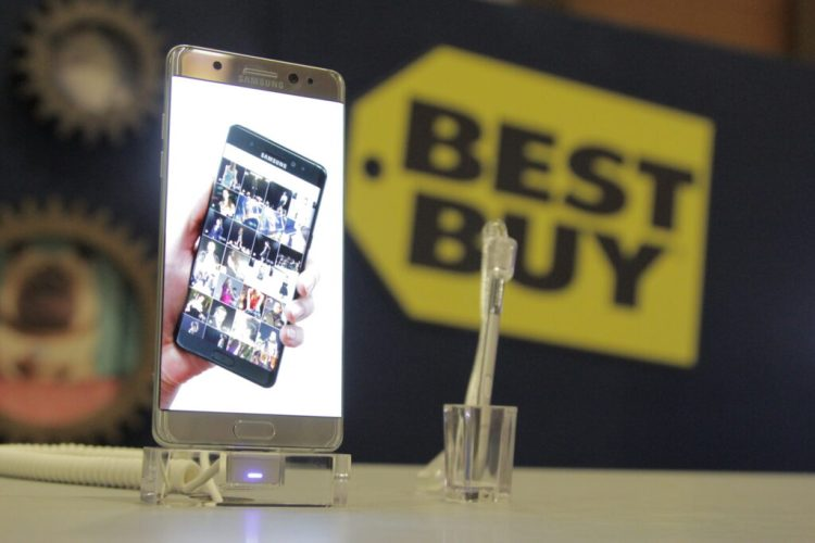 Are You Overpaying for Cell Phone Service? Find Out at Best Buy with a quick analysis of your cell phone bill. The average savings is $40 a month.