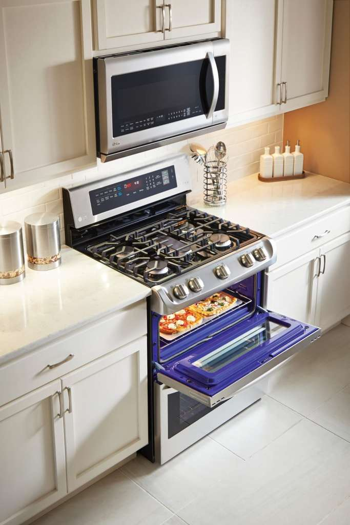 Are you in need of a new oven? Consider the features and benefits of the LG ProBake Oven at Best Buy. Bakers will appreciate the new heating element.