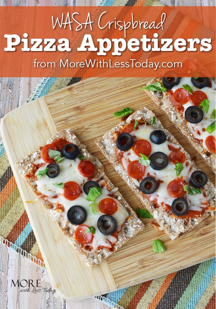 Looking for an easy recipe that travels well? Try these WASA Crispbread Pizza Appetizers with your favorite pizza toppings.