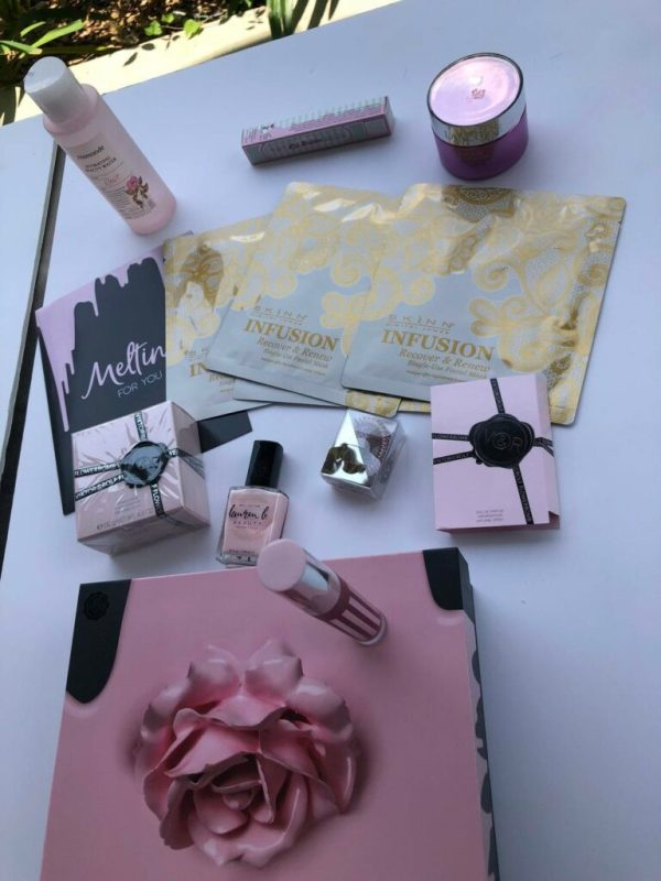 Glossybox is a perfect gift for Mother's Day. It is also a perfect gift for any beauty lover! Each month, five beauty products are selected, packed into one of their lovely signature boxes and delivered to you or to your recipient.