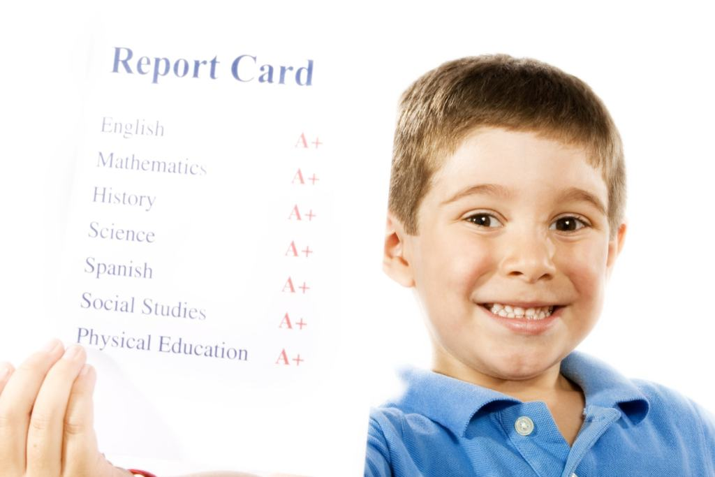 Good Deals for Good Grades - 2018 Report Card Rewards from Banks, Restaurants and More! Some of our favorite places are offering incentives for good report cards. Be sure and contact your area location before heading out to verify that they are indeed participating in this year's rewards programs.