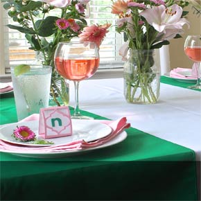 Where to Find the Perfect Tablecloth to Rent or Purchase for any Theme