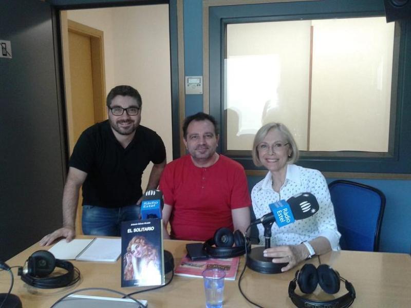 Joan Trias, Antonio Gálvez Alcaide y Mercè Papiol, en Rádio Estel
