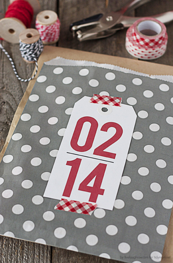 Printable Valentine Gift Tags are the perfect way to add a little fun to your Valentine's Day gift giving -- from a bag of sweets to a lovely journal, these tags are fun and festive.