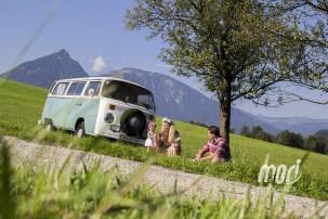 "Familienfotos - Fotoshooting in freier Natur ""Hippie-Like"" | MORI Fotografie - Salzkammergut"