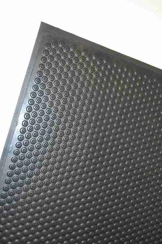 Corner of a Morland Active Industrial Rubber Anti-Fatigue mat