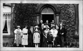 Family group after the wedding of Rowland Ingle and Addie Baines