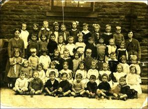 School photo of Drighlington infants