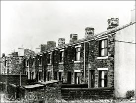 Row of cottages in Moorside Road, Drighlington