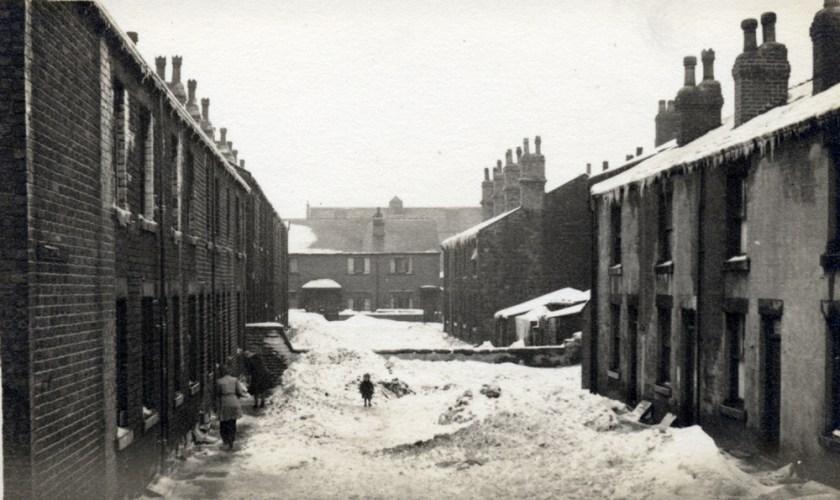 Heavy snow in Sheldrake Place off Bridge Street