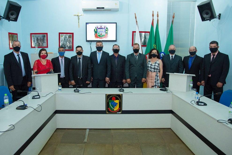 Prefeito, vice-prefeito e vereadores de Mormaço tomam posse em seus cargos