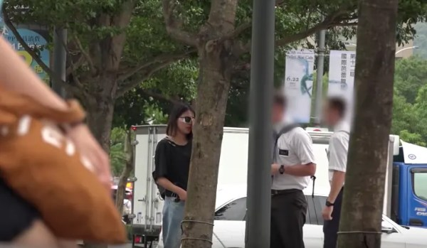 Mormon Missionaries Caught On Camera Helping Blind Woman in Taiwan