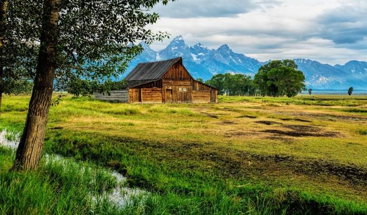 moulton-barn-morning-clarity